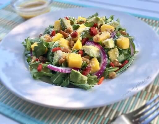 mango avocado goji berry salad
