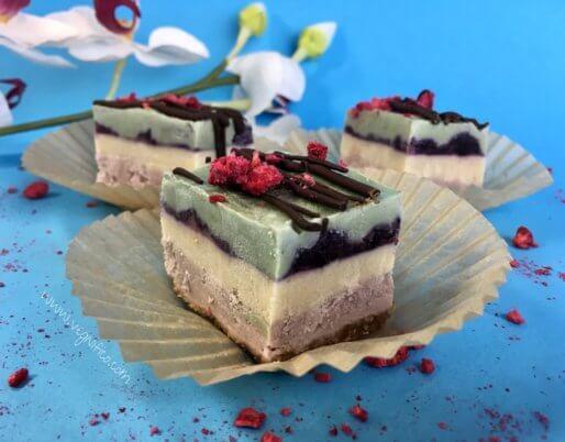 strawberry vanilla blueberry spirulina cheesecake bars