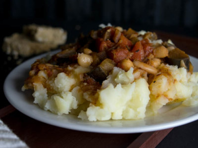 mashed potatoes with eggplant stew